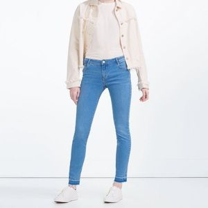 Zara Denim - Zara Essential Fit Jeans