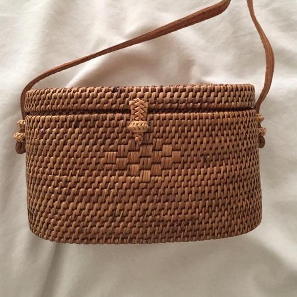 COACH 1941 Rogue 25 Tea Rose Appliqué Leather Crossbody Bag Indonesian Bali  Mini Woven Bag ... 3855fdaa4c
