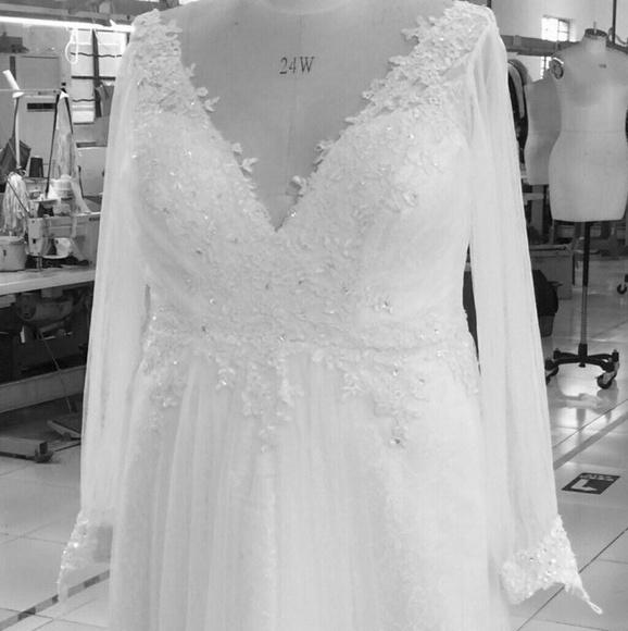 4290fcbb1d1 Darius Cordell Long sleeve plus size wedding gown