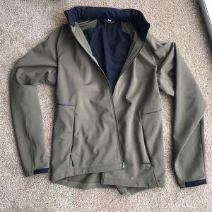 lululemon athletica Other - Men's Lululemon raincoat