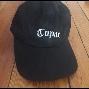 367fafd3f29c1 Urban Outfitters Accessories - UO Tupac Dad Hat