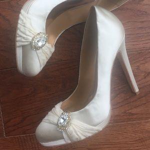 Badgley Mischka Odell Ivory wedding shoes Sz 7