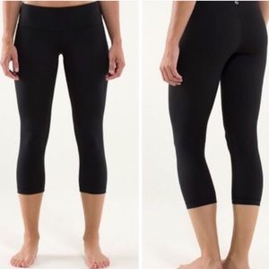 Lululemon crop leggings size 6