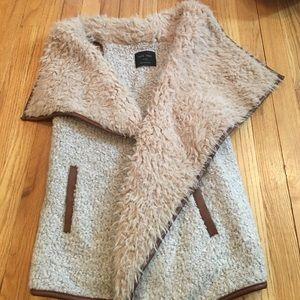 Tops - Tan faux fur vest!