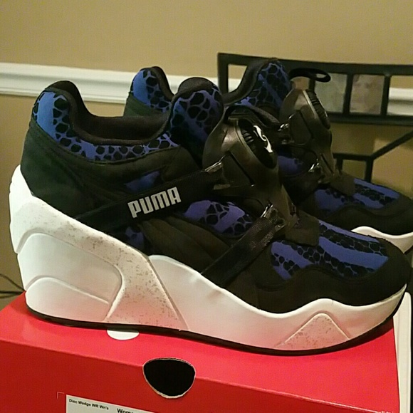 92beeb070df Puma disc wedge sneaker with box. M 589cb22c9818291b0900ea7b