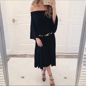 Dresses & Skirts - 🆕 • Camilla Off The Shoulder Dress