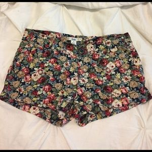 Floral shorts!! Only worn once.