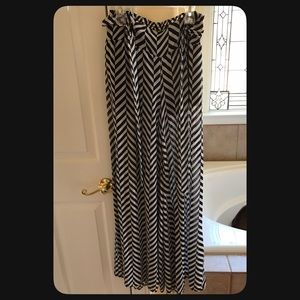 NWT black/white palazzo pants with shorts liner