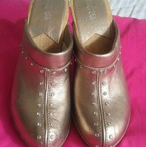 Michael Kors Shoes - 💗SALE💗Michael KORS clogs..sz 10 M.