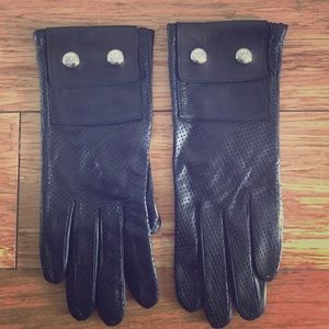 Michael Kors Accessories - ***NWOT*** Michael Kors leather gloves