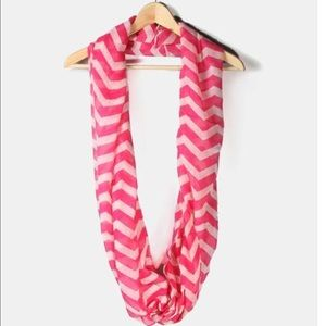 Accessories - Submit Offer 💕Pink & Ivory Chevron Infinity Scarf