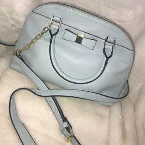 ⬇Light blue & gold bow shoulder bag
