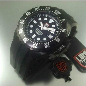 NWT $2,200 Luminox deep dive Automatic watch