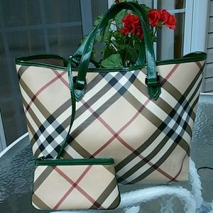 Burberry Handbags - Authentic burberry large  bag