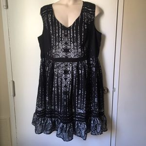 Like New City Chic Lace Print Black & White Dress