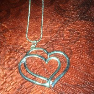 Jewelry - NEW 💕 Double Heart 💕 Pendant Necklace