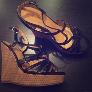 Black wedge sandals size 6.5. Brand: iPromiseU