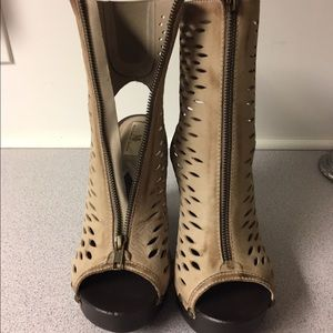 Mia limited edition shoes size 8