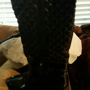 Shoes - Zipper rain boots