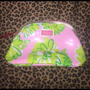 Lilly Pulitzer Handbags - Lilly Pulitzer Makeup case