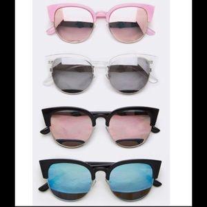 Accessories - Mirrored Sunglasses