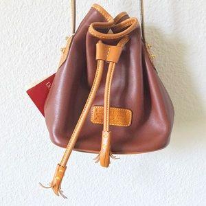 Dooney & Bourke Handbags - 🎉HOST PICK🎉NWT DOONEY & BOURKE BAG