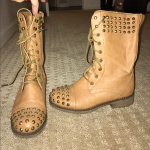 Tan/beige Studded Combat Boots!! Size 6.5!!!