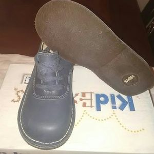 Kid Express Other - Boys Leather Navy Oxfords Size M 12