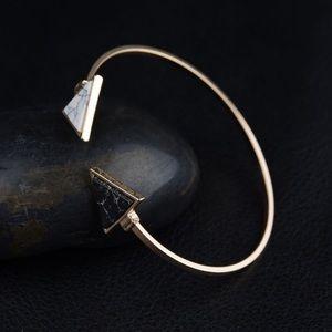 Good triangle natural stone bracelet bangle new