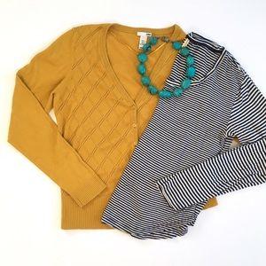 💕 H&M Mustard Pointelle V-neck Sweater
