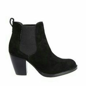 Steve Madden Black Suede Leather Booties Sz 6