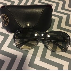 Ray-Ban Accessories - AUTHENTIC RAY BANS W CASE LIKE NEW