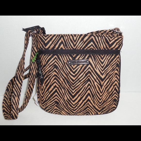 8569e4863cf0 Brand new Vera Bradley hipster purse