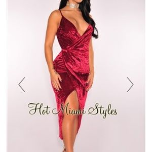 Wine crushed velvet knotted slit dress