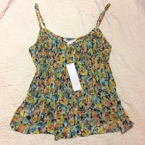 BCBGeneration Tops - NWT 🌺BCBGeneration Floral Pleated Cami Tank Top