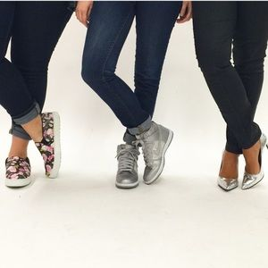 Nike Shoes - Nike Silver Dunks