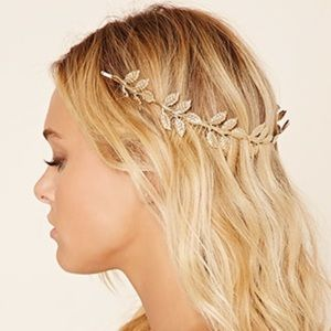 Forever 21 Accessories - Floral gold headband with combs
