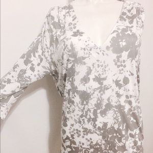 Anthropologie Tops - Anthropologie grey & white floral top