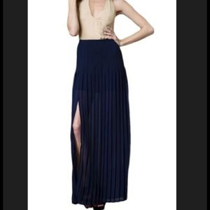 Blaque Label Women's Pleated Maxi Skirt w slit