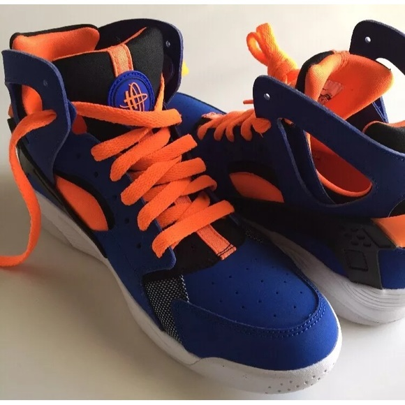 Boys 6.5 New Nike Huarache Flight Basketball shoes