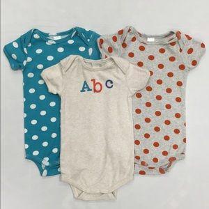 Stem Baby Other - Stem 100% Organic Cotton Baby Bodysuits Bundle