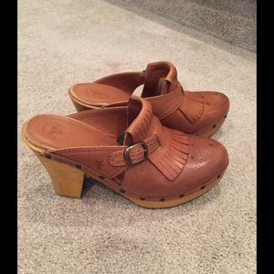 Frye Shoes - FRYE Elle Kiltie Clogs