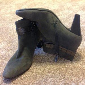 Bandolino Shoes - Bandolino Dark Gray Booties