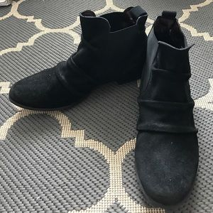 Report Signature Shoes - BNWOT Report Signature Black suede ankle booties