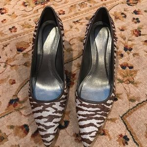 Anne Taylor Shoes - Anne Taylor Zebra print size 9 pump