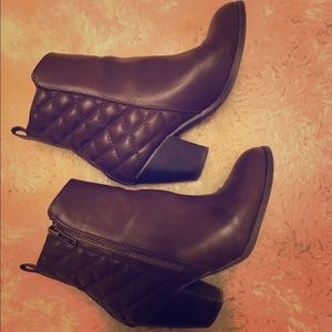 Shoes - Beautiful Chocolate Brown Quilted Boots with Heel