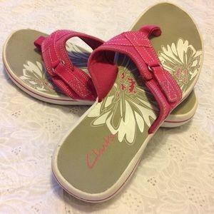 Clarks Shoes - Clarks Pink Breeze Sea Flip- Flops