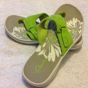 Clarks Shoes - Clarks Lime Breeze Sea Flip-Flops