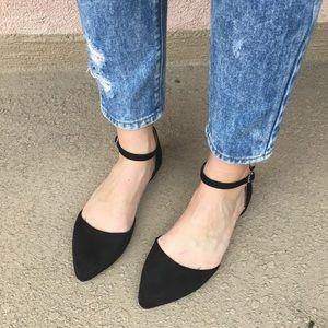 2 left!! Suede Ankle Flat Black