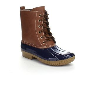 shoeroom21 boutique Shoes - 🎉SALE🎉 Ladies DYLAN Duck boots. Navy. New in box